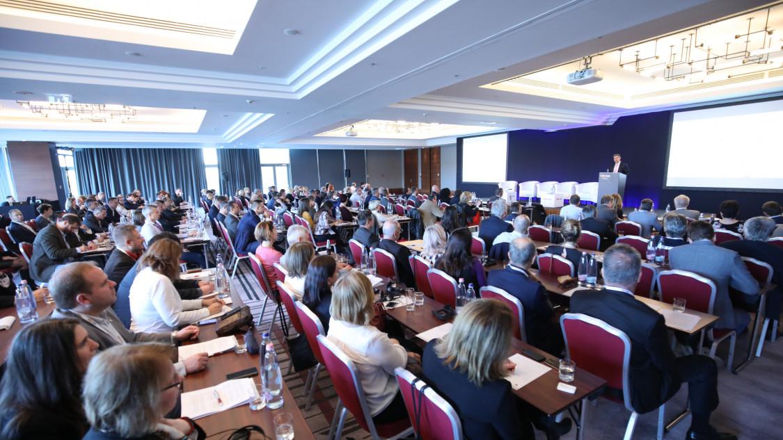 Első egészségügyi konferenciánk